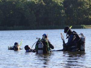 Duiken in de Wythmerplas voor de Advanced Open Water duikopleiding